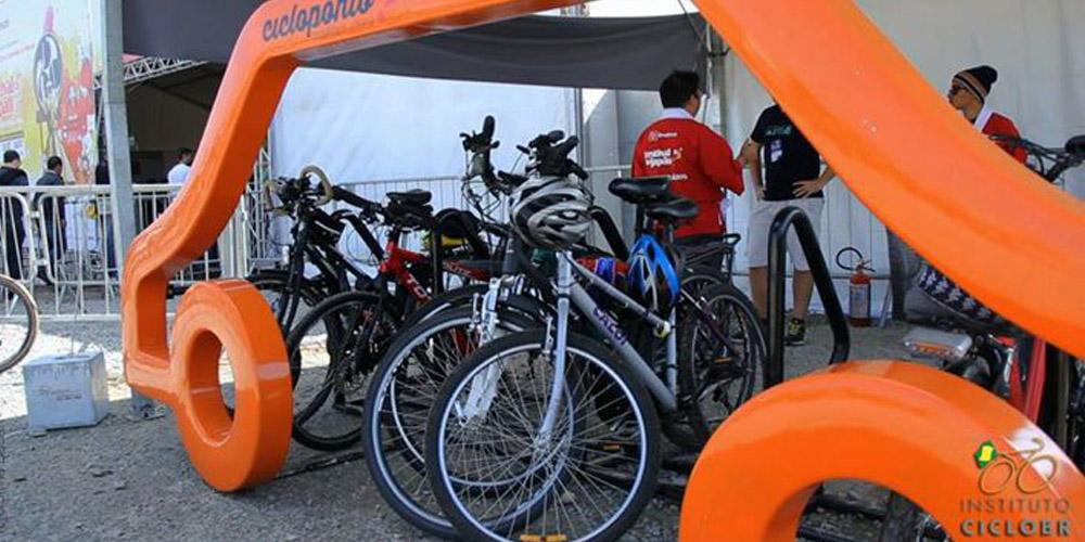 De bicicleta ao Festival do Japão 2015