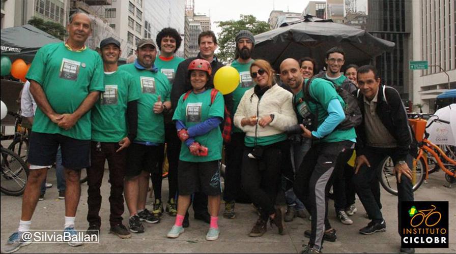 Dia Nacional do ciclista é comemorado com café da manhã na Paulista